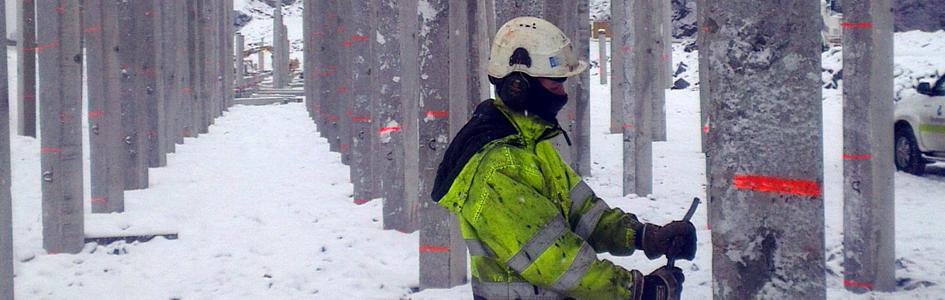 Puts down over 660 concrete piles on E6
